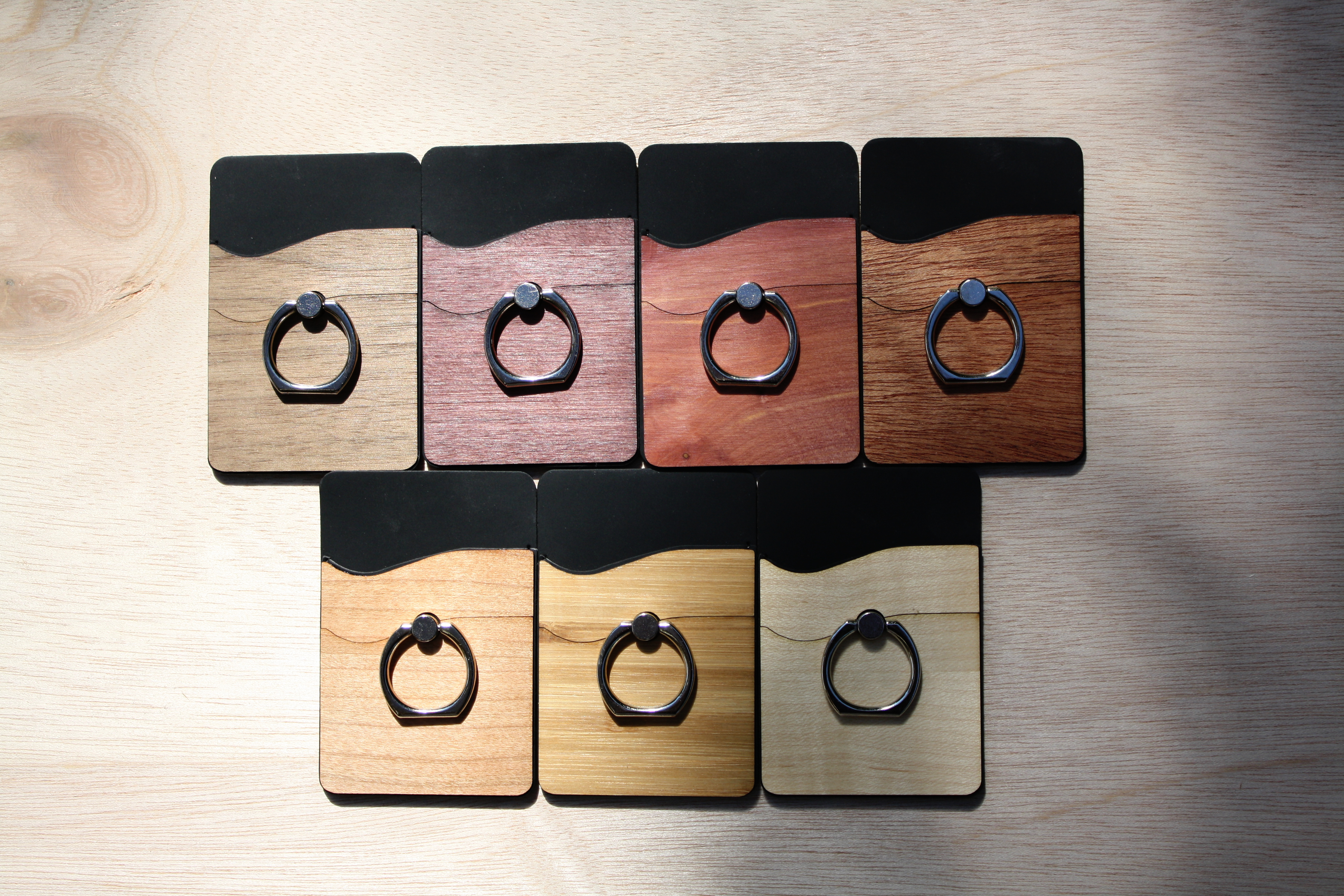 RNGR Wallet ring phone holder covered in beautiful wood in 7 different species